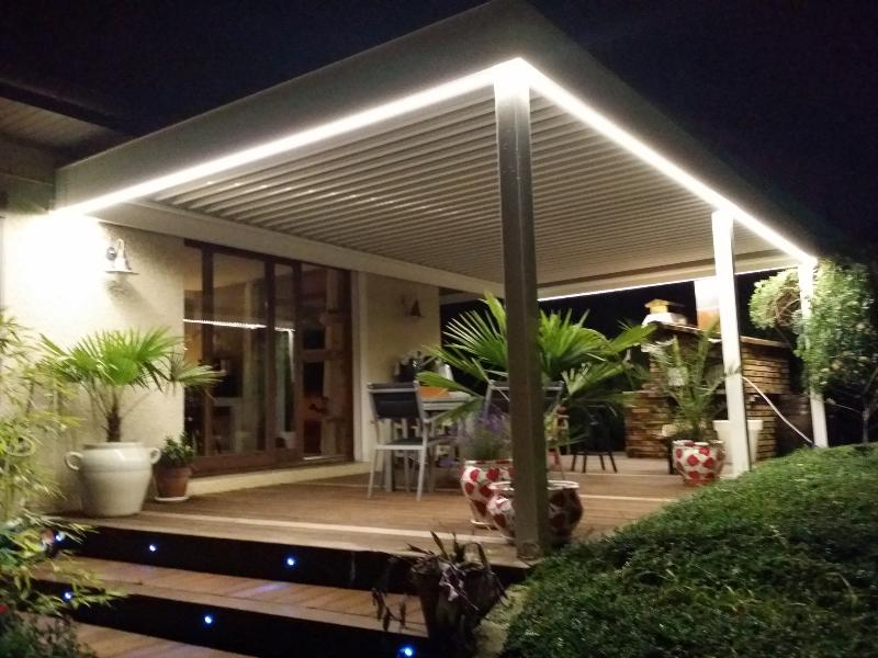nao fermetures kit bandeau leds pour pergola bioclimatique. Black Bedroom Furniture Sets. Home Design Ideas