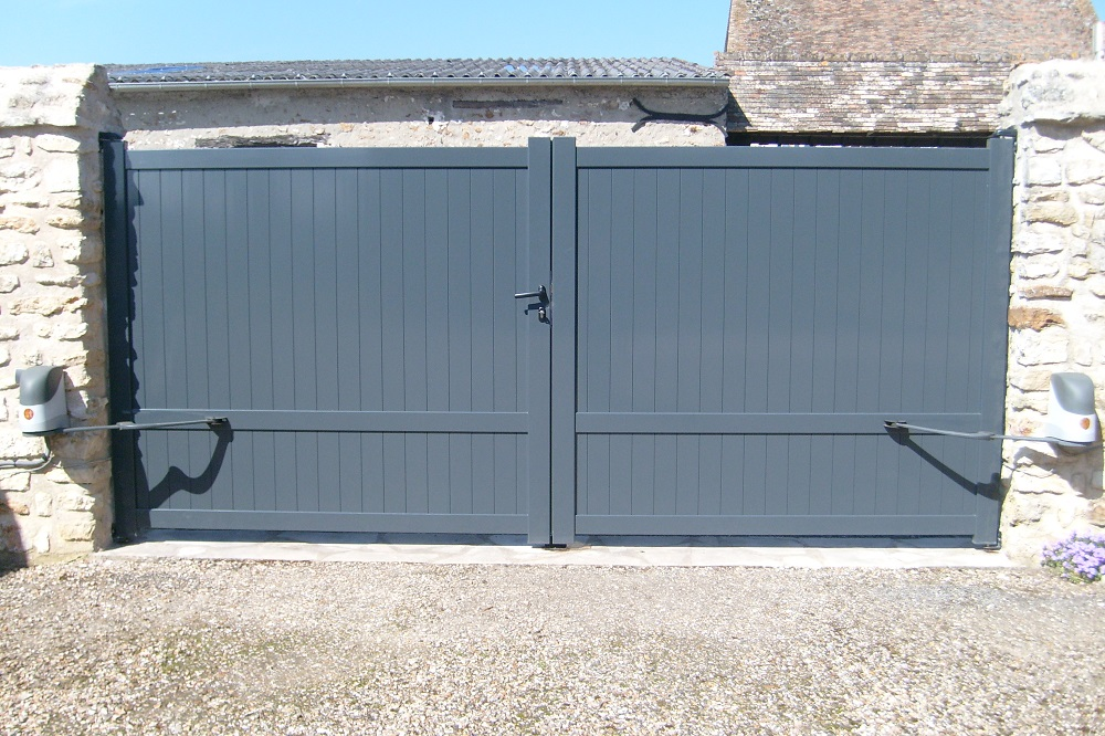 portail aluminium pas cher prix portail aluminium portail et portillon alu. Black Bedroom Furniture Sets. Home Design Ideas