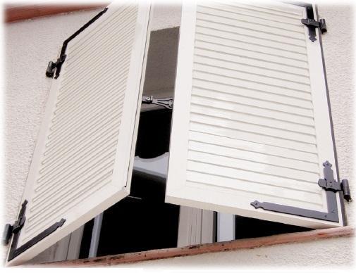 volet battant alu sur mesure devis volet battant pas cher. Black Bedroom Furniture Sets. Home Design Ideas