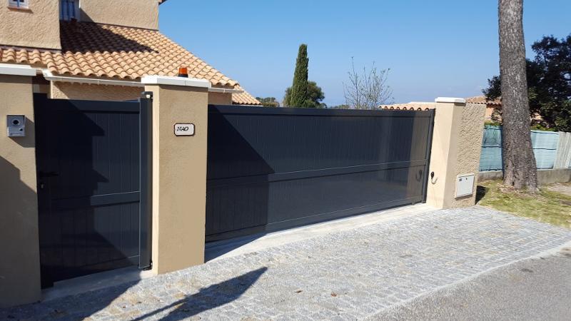 Portail coulissant portillon en aluminium for Pack portail portillon