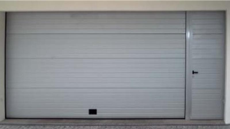 Nao fermetures porte de service cassette sur mesure for Porte de service en acier