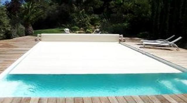 Volets piscine manuel volet de piscine hors sol fixe for Volet piscine hors sol