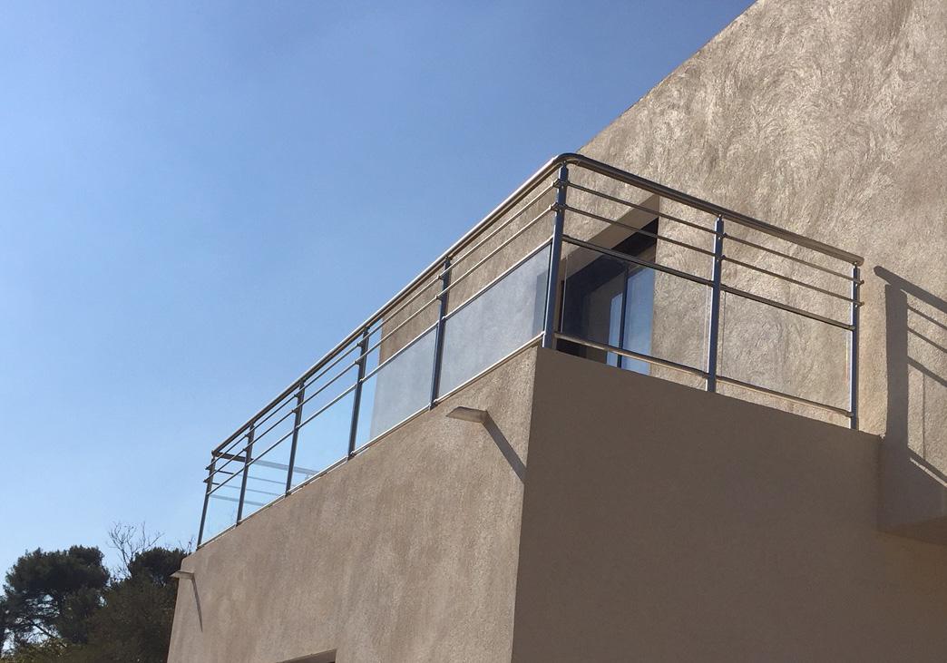 garde corps en verre garde corps aluminium nao. Black Bedroom Furniture Sets. Home Design Ideas