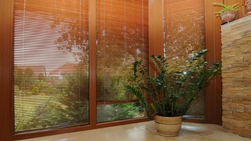 Store int rieur v nitien en bambou for Store plafond interieur