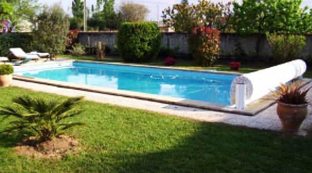 Volets piscine manuel volet de piscine hors sol fixe for Volet pour piscine hors sol