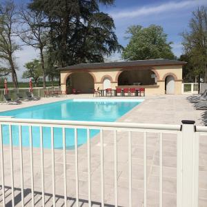 Nao fermetures pergola bioclimatique brise soleil orientable porte de g - Cloture piscine souple ...