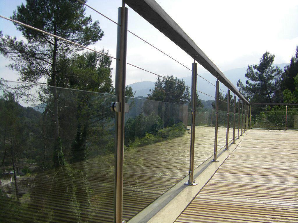 Garde corps verre pour balcon garde corps escalier for Garde corps terrasse