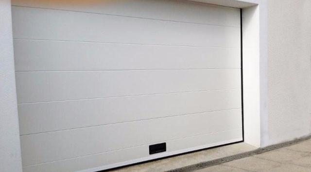 Porte de garage sur mesure porte garage sectionnelle - Porte de garage devis en ligne ...