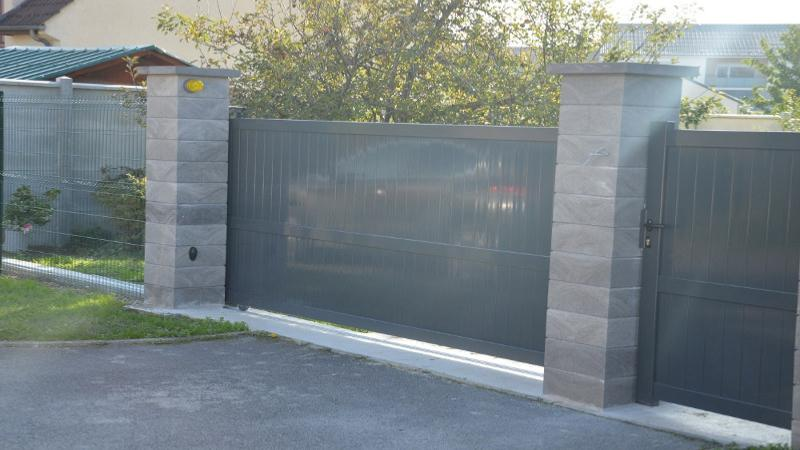 Portail coulissant portillon en aluminium for Portillon en alu