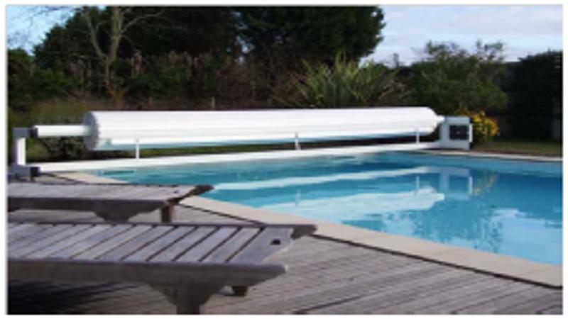 Volet de piscine volet de piscine mobile volet piscine for Rideau pour piscine