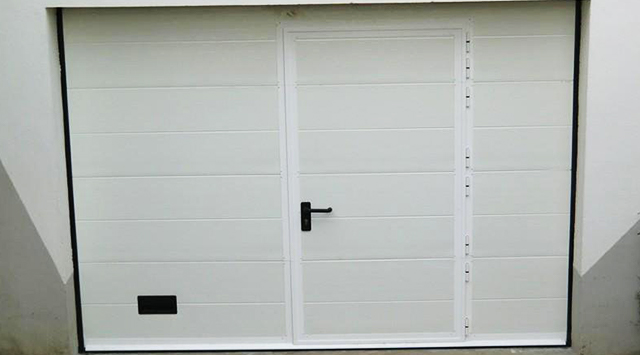 Porte garage sectionnelle for Castorama porte garage sectionnelle