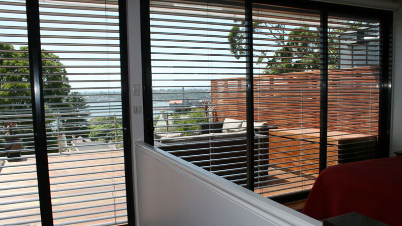 brise soleil z90 produit sur mesure de haute qualit. Black Bedroom Furniture Sets. Home Design Ideas
