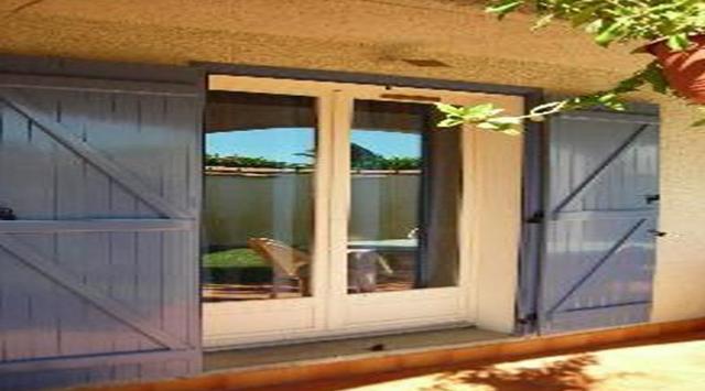 volet battant en aluminium prix bas. Black Bedroom Furniture Sets. Home Design Ideas