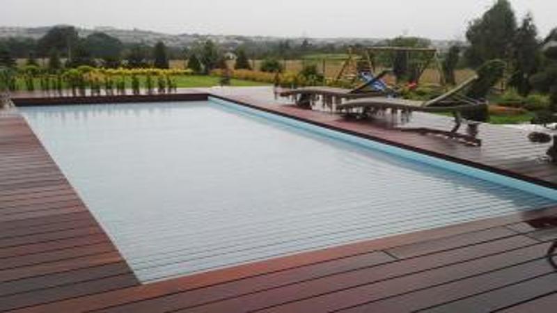 volet de piscine barriere pour piscine. Black Bedroom Furniture Sets. Home Design Ideas
