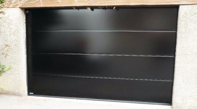 Devis porte garage sectionnelle porte garage panneaux lisses - Panneau porte de garage sectionnelle ...