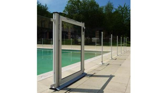 Portillon en verre pour piscine garde corps et cl tures for Portillon piscine verre
