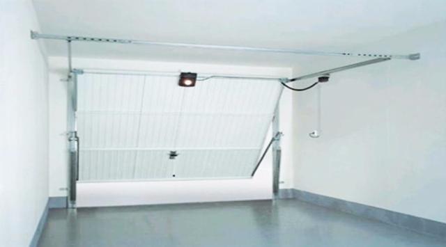 Prix porte garage basculante devis porte garage basculante - Montage motorisation porte de garage basculante ...
