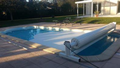 Volet roulant piscine volets de piscine for Volet roulant piscine hors sol mobile