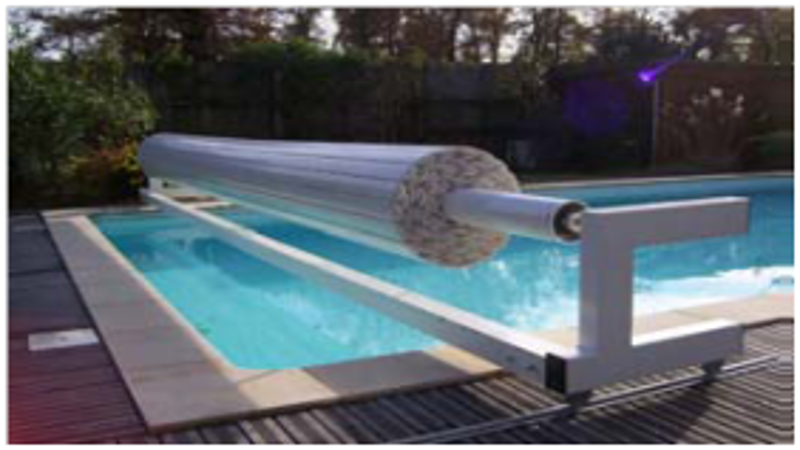 Volet de piscine mobile volet piscine hors sol for Piscine hors sol installation