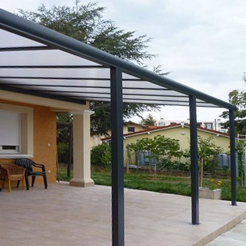 pergola bioclimatique avec store screen
